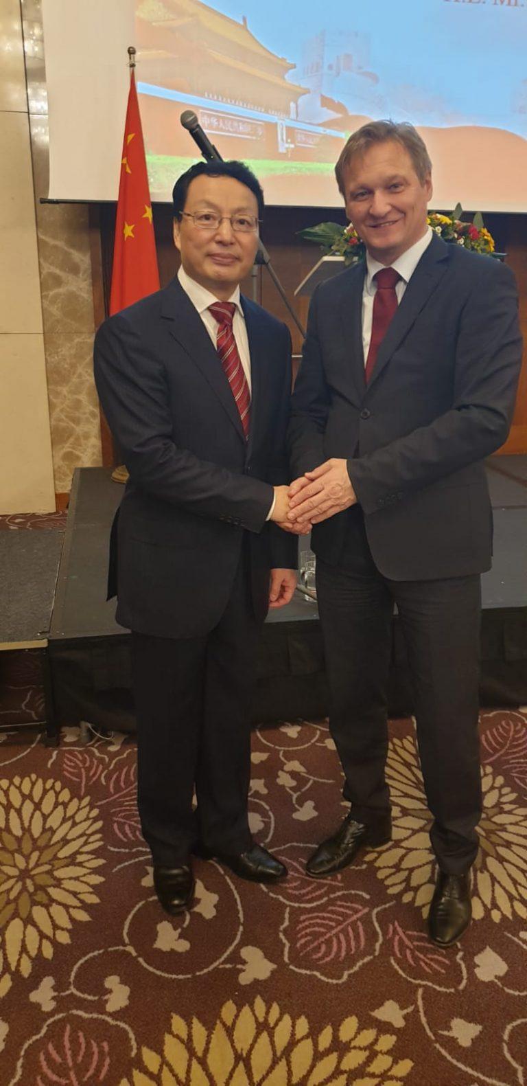 stretnutie velvyslanec